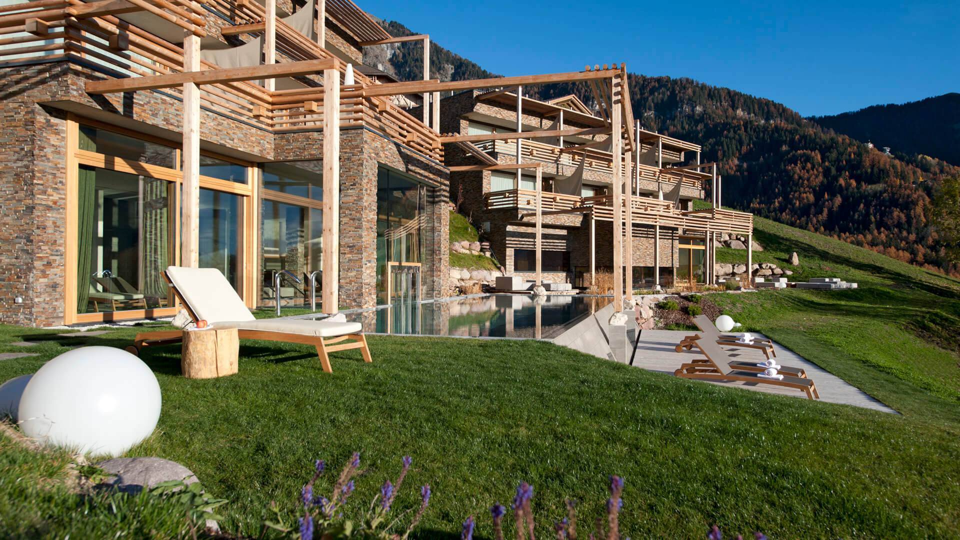 Ihr hotel in seis am schlern kastelruth valentinerhof for Design hotel skifahren